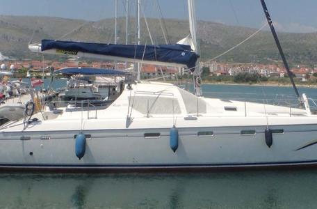74d9c5ad35aaebcc8fdf43e31137b748 catamaran charter croatia privilege 465 front 776 404 c
