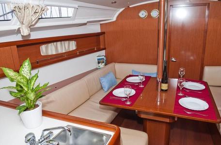 38ed72f6a6d196c2fbf6cfda5cadccd8 yacht charter croatia oceanis 37 matilda %286%29 800 530 c