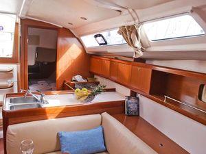 224d9d76d4d83c2450c27a9d16902eae yacht charter croatia oceanis 37 matilda %285%29 800 530 c