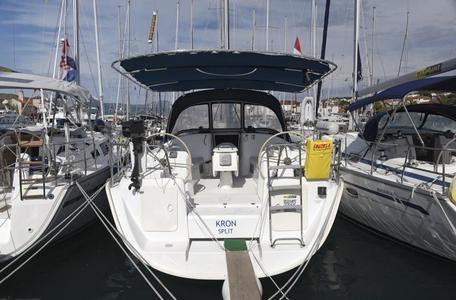 Bd7af3c17fc7b4e3ce59954d2a951b39 yacht charter croatia cyclades 39 kron %281%29 800 530 c