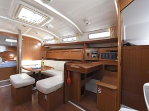 Be0b9199ee34b0c4865c37e2b25d2639 yacht charter croatia cyclades 39 kron %283%29 800 530 c