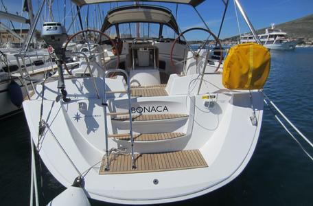 72133fed8cc403569b413dfbd5fbec28 yacht charter croatia sun odyssey 50ds %284%29 800 530 c