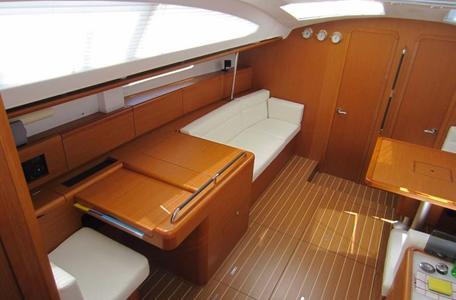 46624c255eedb978f0f3dfb43af44683 yacht charter croatia sun odyssey 50ds %2815%29 800 530 c