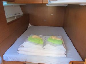 912fba8612300e0f46c4e3851591eed1 yacht charter croatia sun odyssey 50ds %2813%29 800 530 c