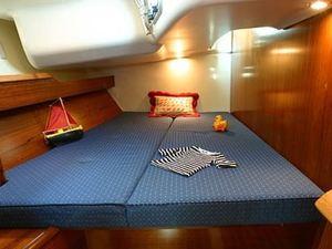 Jeanneau sun odyssey 49 luxury sail boat rent charter greece cabin pic21
