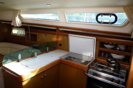00021 so36i bareboat charter greece