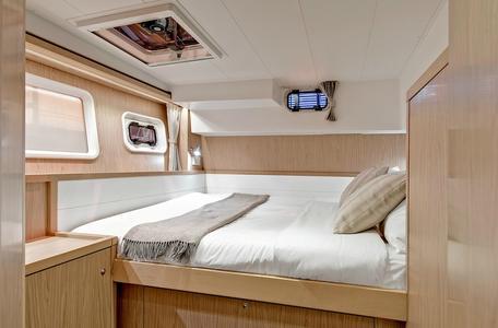 Istion yachting lagoon39 na